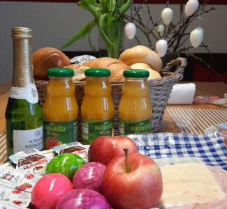 osterfruehstueck-tisch-gedeckt1